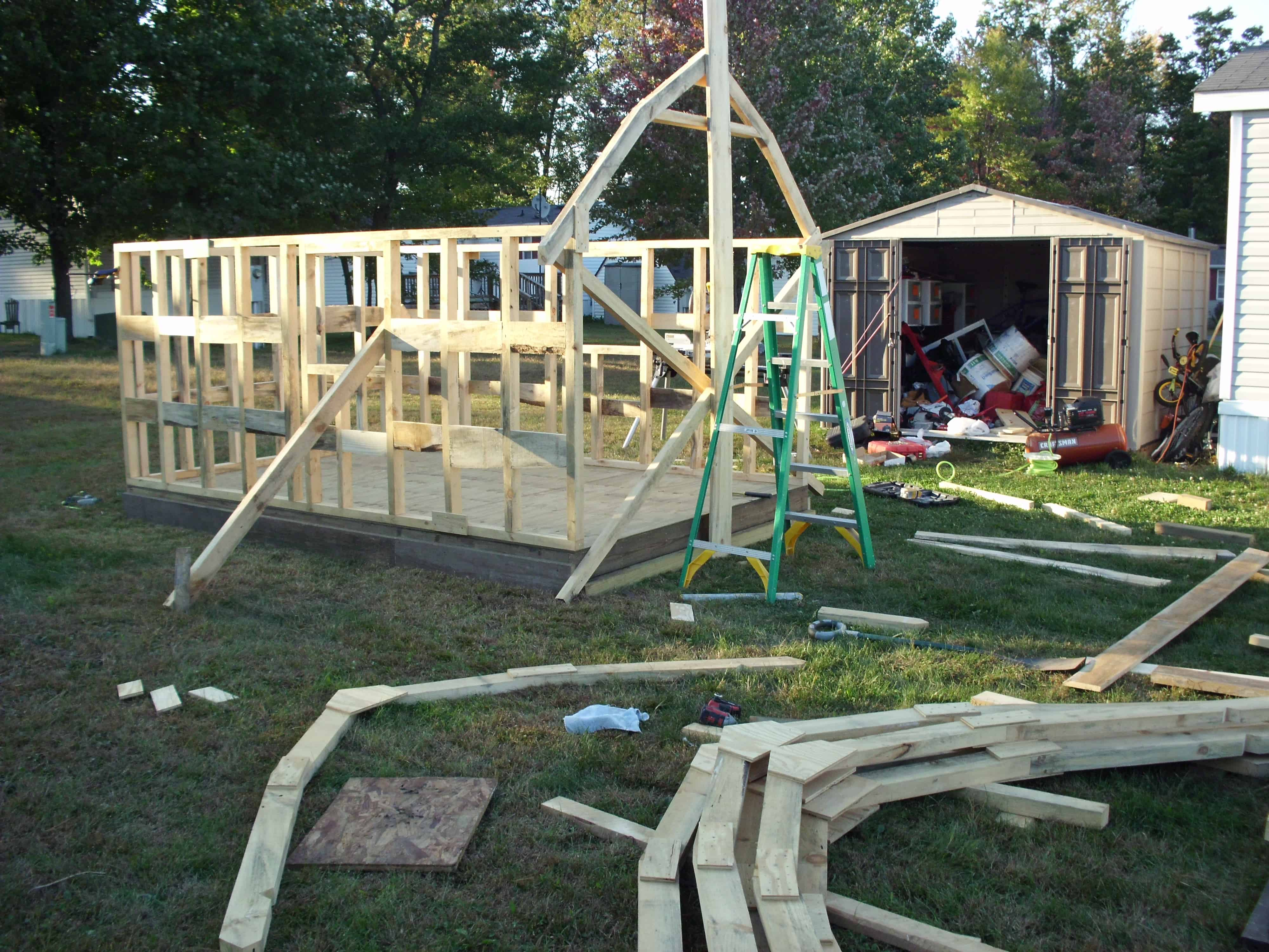 barn-shed-constructing-building-construct-build-create-design-reclaimed-materials-framing